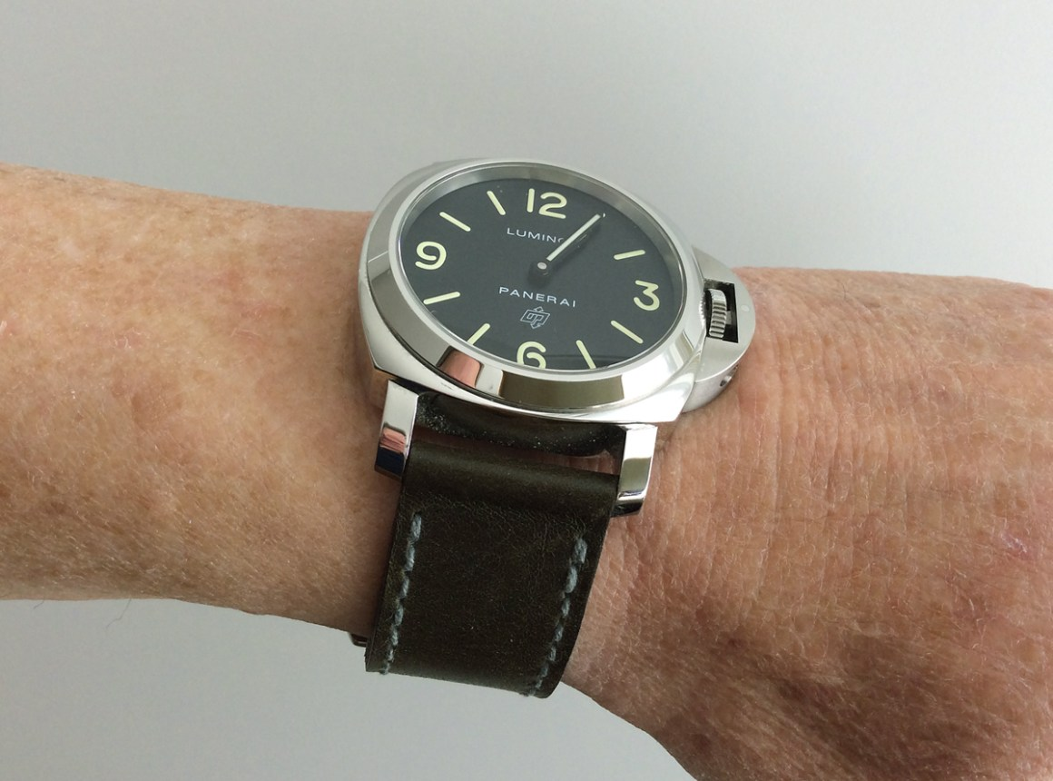 Panerai PAM1000 on Military Green leather with grey stitching. © David Marks