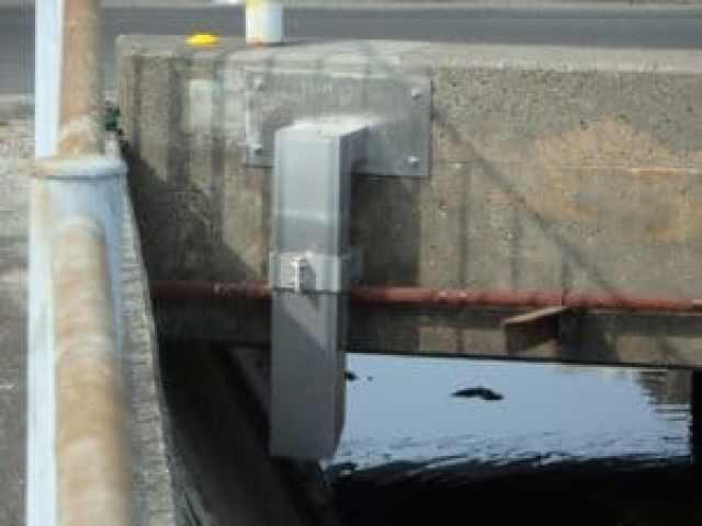 橋梁用 地覆 横引 排水装置 プレテンホロー 1
