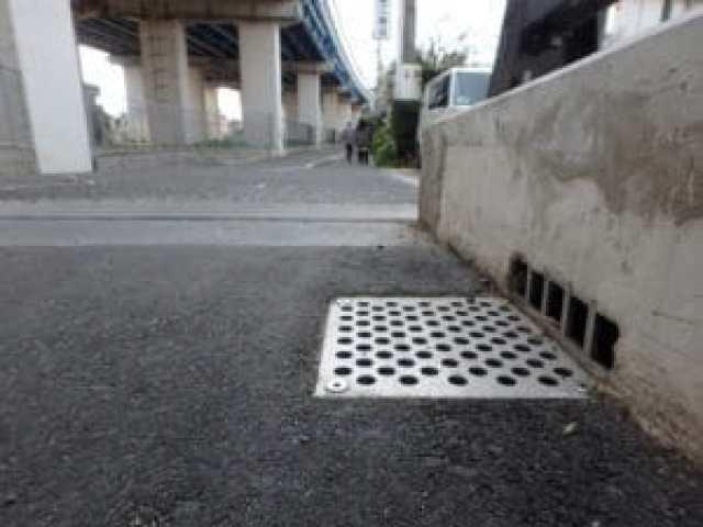 橋梁用 地覆 横引 排水装置 プレテンホロー 7