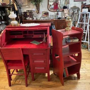 Painted Student Desk w/chair