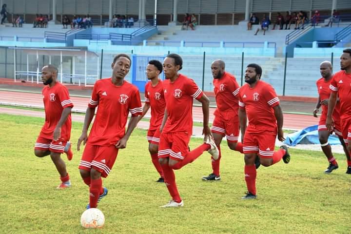 Foot-Guadeloupe-21éme journée R2: Poule A/Racing Club reste au contact du leader -Poule B/JSVH en patron dompte USCB