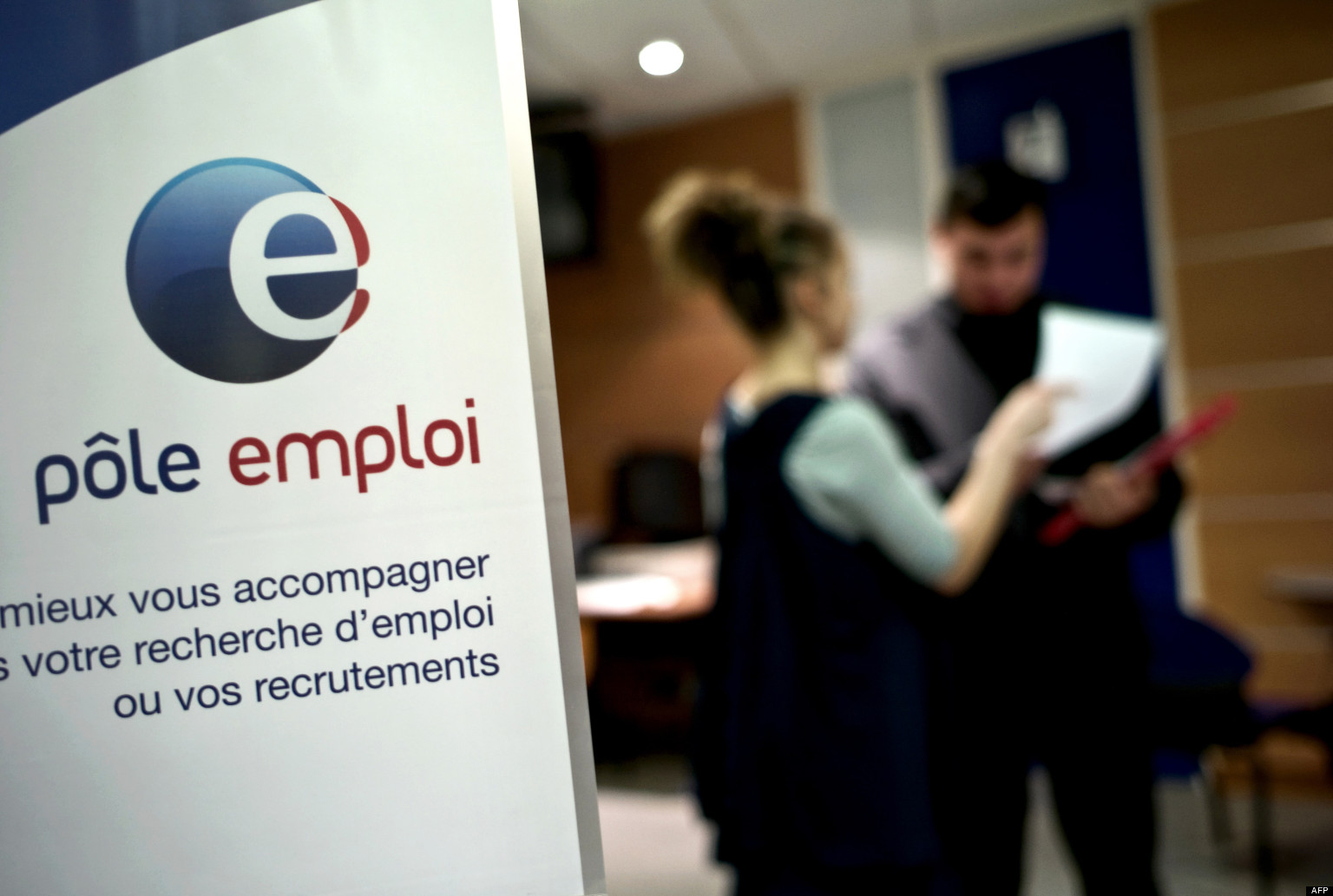 Au pole emploi … AFP PHOTO / JEFF PACHOUD