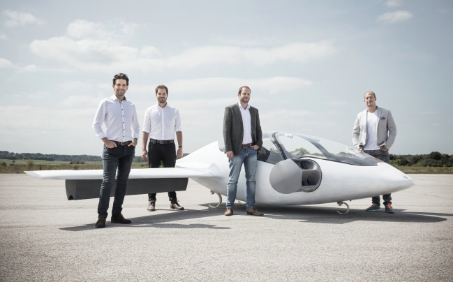 Exemple de Deep Tech : la start-up Lilium Aviation, propose le Lilium Jet , un avion bi-place à décollage vertical destiné à devenir un taxi volant.