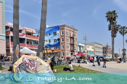 Venice Boardwalk Hotel