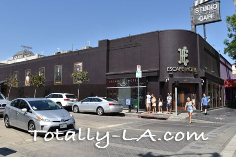Escape Hotel: The Hollywood Hotel You Want to Get Out Of!