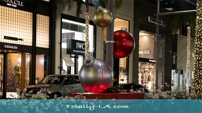 The Beautiful Emptiness Of Rodeo Drive Christmas 2020 Totally La