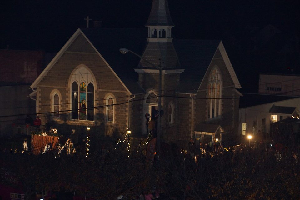 Charlotte Hall prepares for Christmas - Source: Facebook/St. Mary's Sheriff