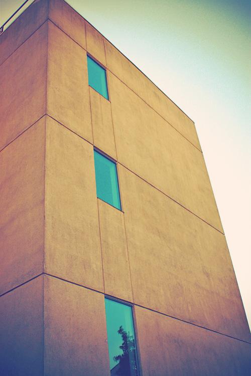 0327funkybuilding