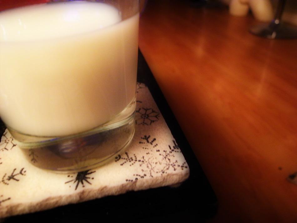 0352glassofmilk