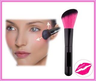 brocha de maquillaje para colocar rubor