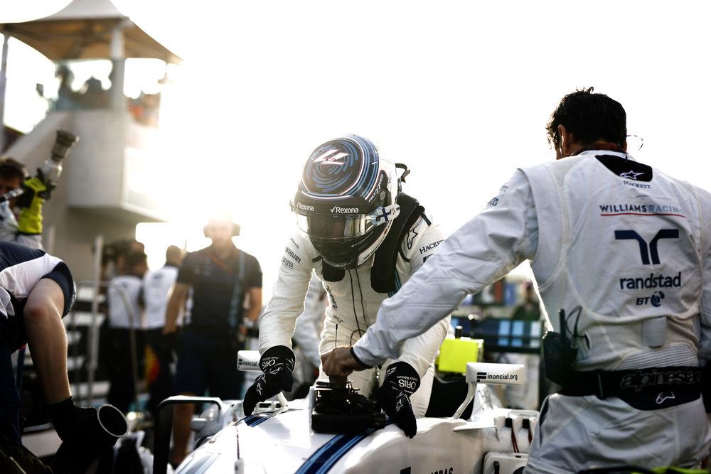 Yas Marina Circuit, Abu Dhabi, United Arab Emirates. Sunday 27 November 2016. Valtteri Bottas, Williams Martini Racing, on the grid. Photo: Glenn Dunbar/Williams ref: Digital Image _X4I4502