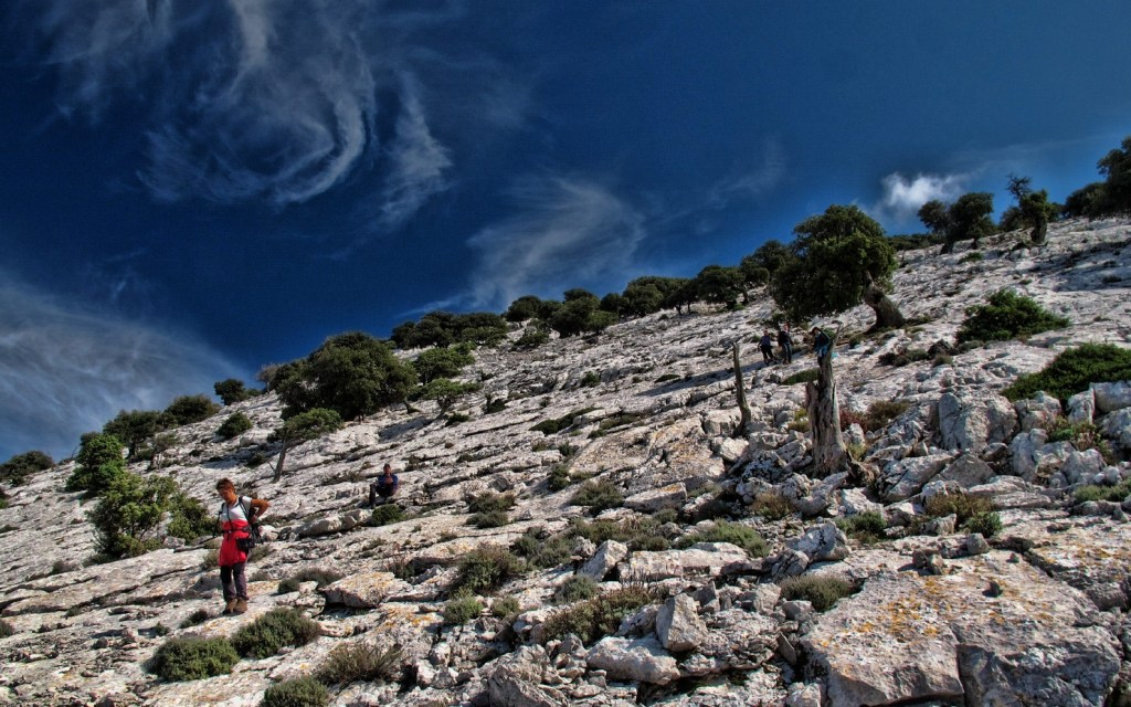 hiking in sardinia - find an ecotour