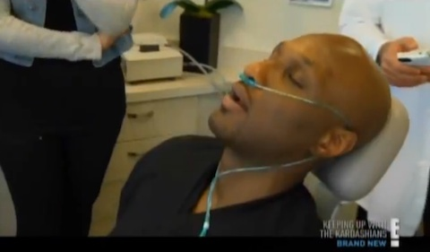 Lamar-Odom-at-the-dentist