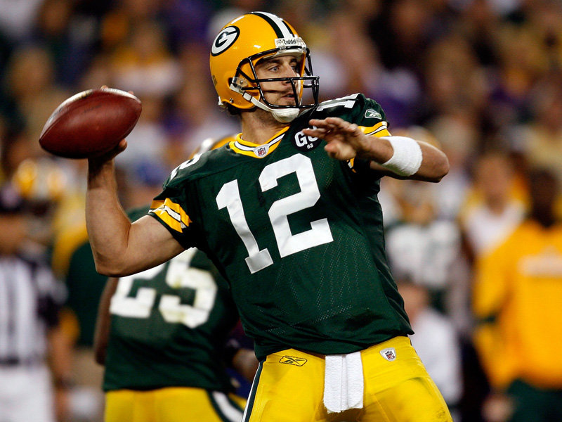 Aaron Rodgers Throwing