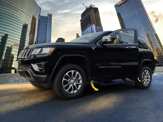 AMP Research (76330-01A): PowerStep for 2014+ Jeep Grand Cherokee