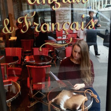 Ophelia & Springbok in Paris Cafe