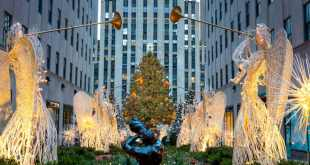 Holidays Lounge Explores Holidays in New York City