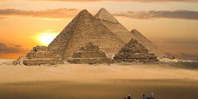 World Wonders: The Pyramids of Egypt