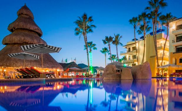 Marina Fiesta Resort Highlights New Years Eve Cabo Style (2)