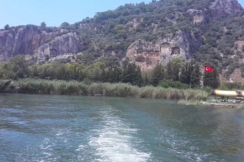 Пещеры в Дальяне