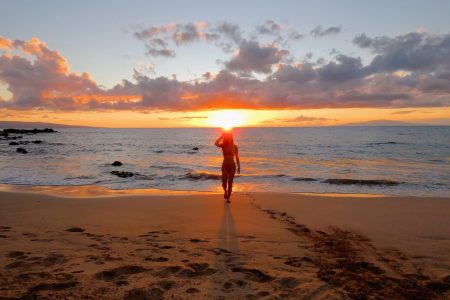 Maui Beach Sunset scaled - Traveling to Maui during COVID may not be what you expect!