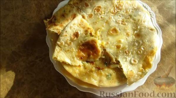 Слоёный салат с сардинами, яблоком, сыром и грецкими ...