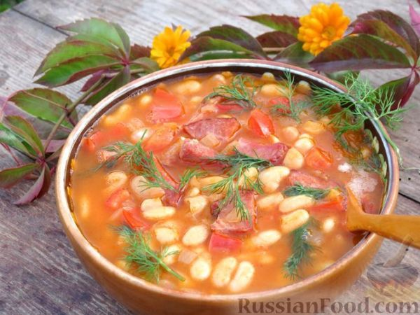 Фасоль с ветчиной, в томатном соусе | totrecept.com