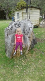 eloise-throne-tots-in-tawhero