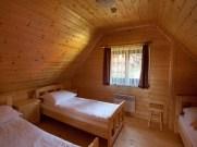 pokój trzy osobowy w domku