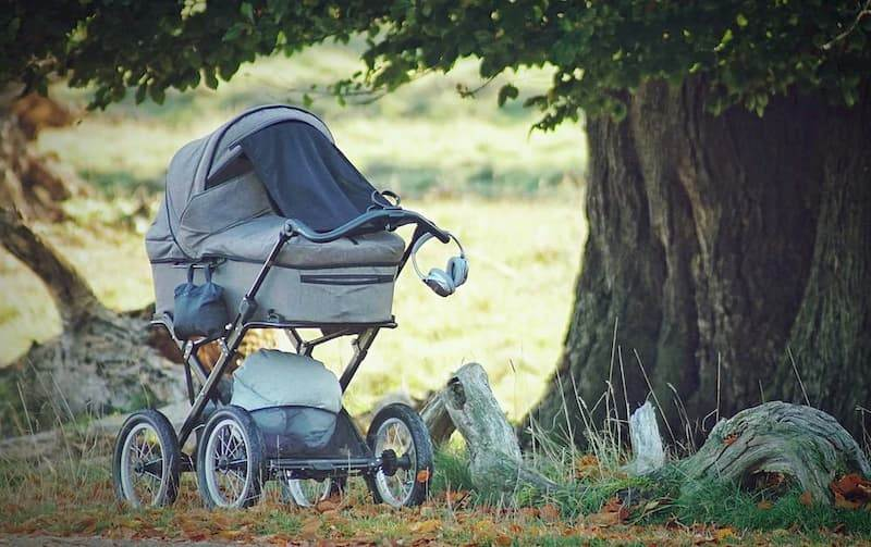 How To Choose A Sunshade For Your Baby's Pram