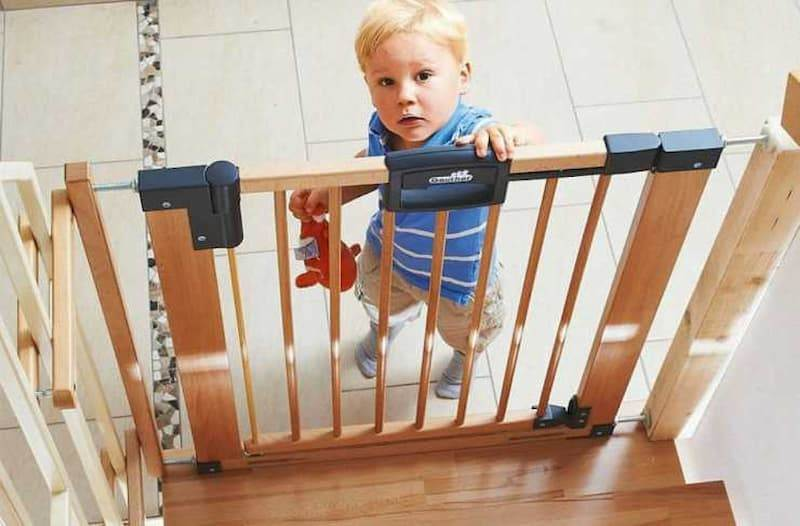 Best, Cheap Safety Gates For Stairs