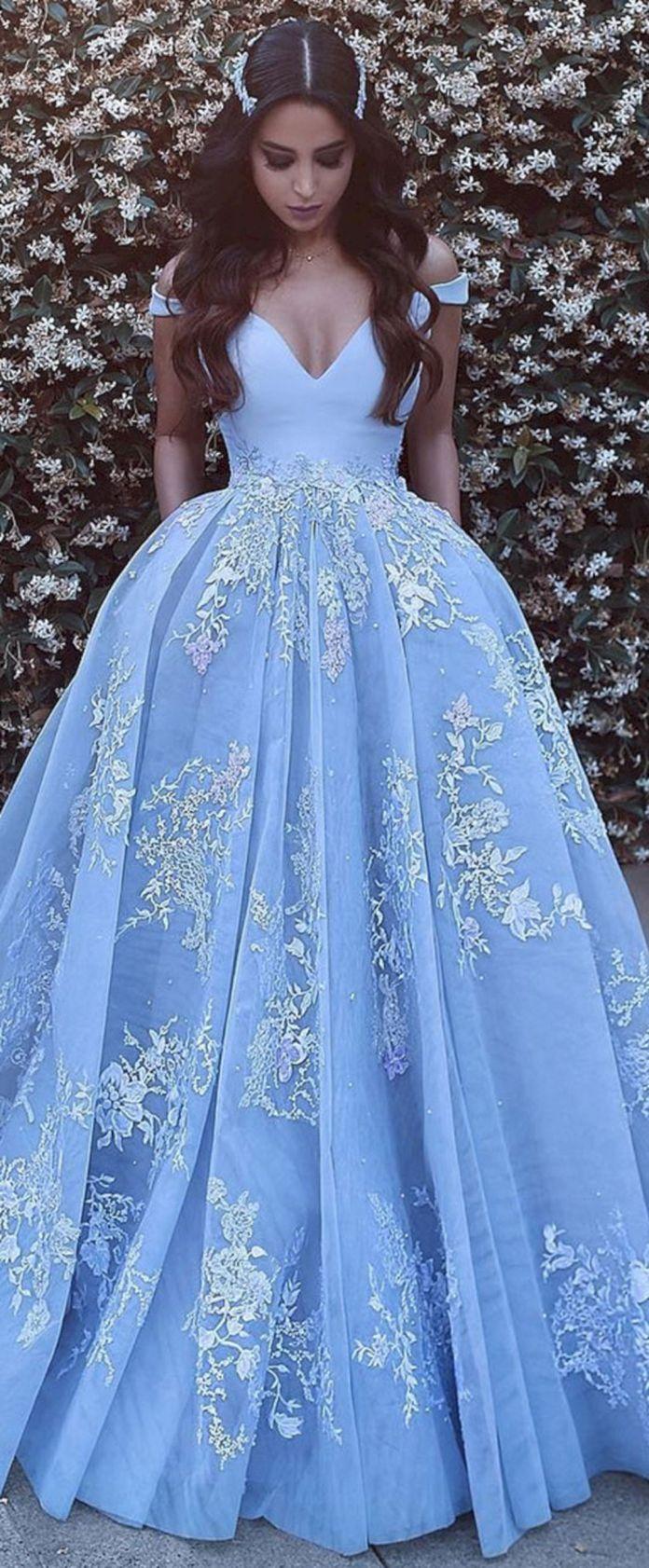 Great Incredible Wedding Gown Ideas : 35+ Blue Prom Dresses Most Beautiful https://oosile.com/incredible-wedding-go… | Vestiti da ballo, Vestaglia, Vestito da sera