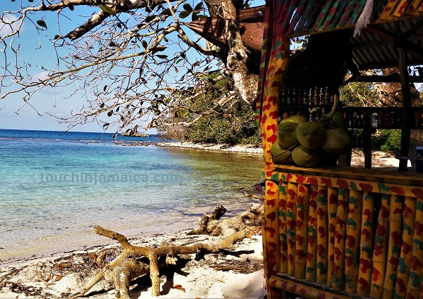 Strandküche am Winnifred Beach auf Jamaika