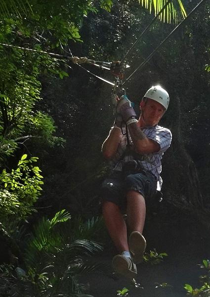 Ziplining auf dem Mystic Mountain bei Ocho Rios auf Jamaika