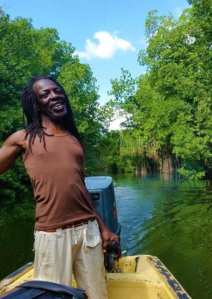 Bootsfahrt auf dem Black River mit Fisherman Captain Teddy