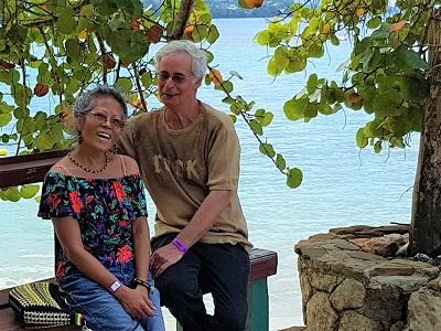 Rita und Jo am James-Bond-Beach