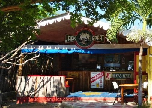 """Das Jack-Sprat in Treasure-Beach wird betrieben von den Kindern und der Witwe des """"They harder thes come""""-Regisseurs Perry Henzell."""