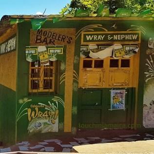 Jeder Jamaikaner schwört auf eine andere Marke, aber alle schwören auf Overproof Rum.