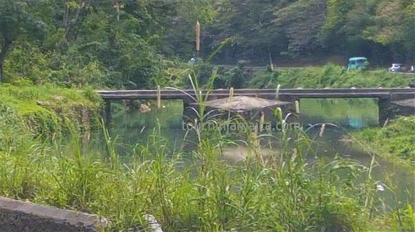 Jamaikas älteste Brücke hat kein Geländer - es wurde immer wieder durch Überflutungen weggerissen.