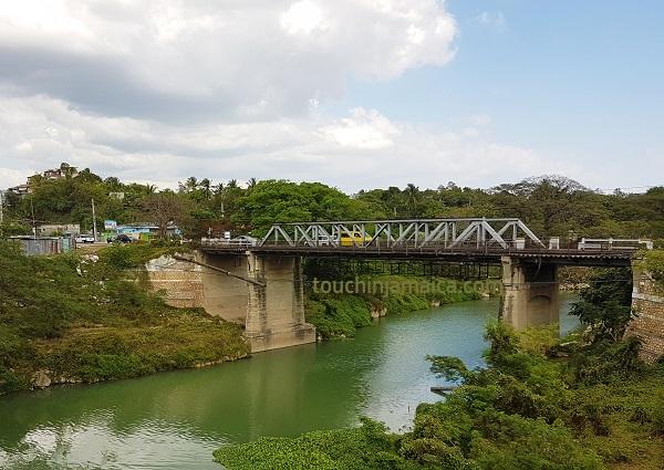 Eisenbrücke über den Rio Cobre in Spanish Town auf Jamaika.