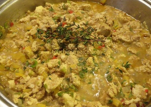 Hühnchenfüllung für Jamaikanische Patties