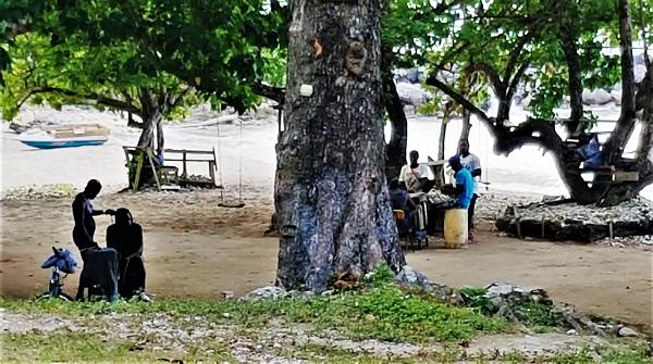 Calabash Beach Feierabendstimmung