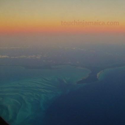 Sonnenuntergang Bahamas über den Wolken