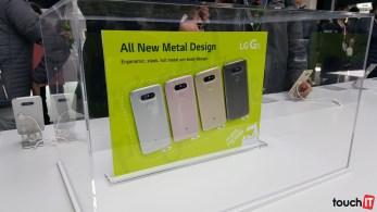 LG G5 má kovové telo a nový dizajn. Tlačidlá už nenájdete na zadnej strane zariadenia, tam je už iba snímač odtlačkov prstov