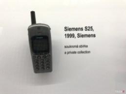človek a telefón (21)