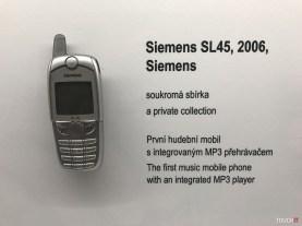 človek a telefón (61)