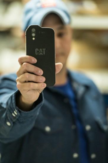 CatS61-Inhand_nowat