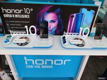 colours2018-honor10-19