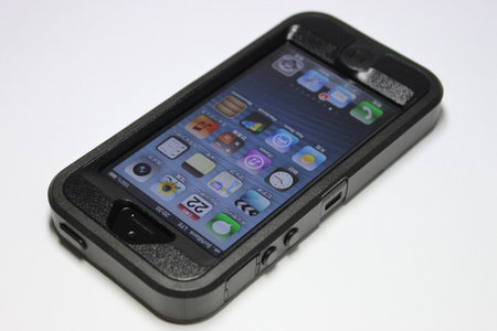 otterbox_defender_for_iphone5_7.jpg