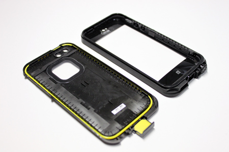 lifeproof_iphone5_3.jpg